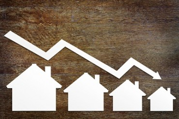 House prices fall 0.5%