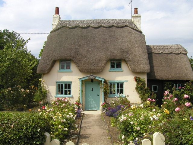 English 'chocolate Box' Cottage Still Costs More Than