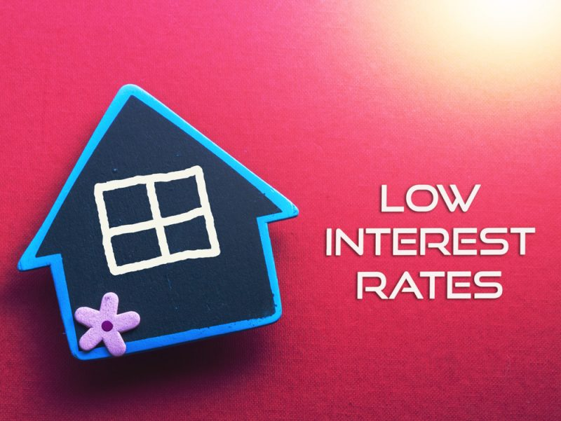 Borrowers advised to remortgage while bank rate remains low