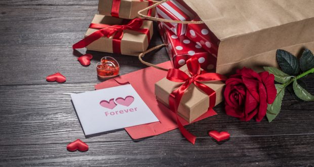 Valentine S Day Spending Expected To Hit 726m